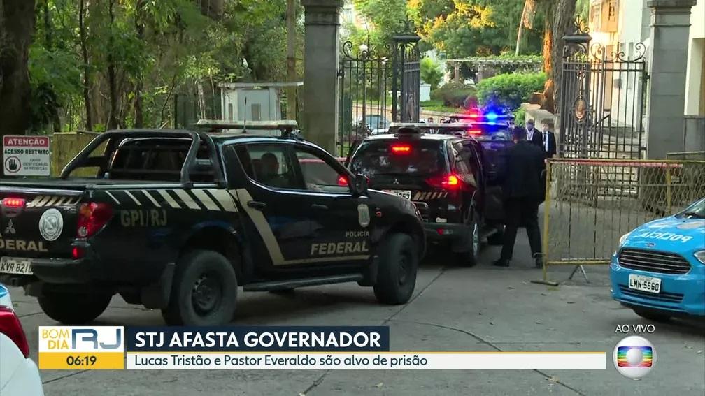 PF cumpriu mandados em cobertura onde mora o Pastor Everaldo — Foto: Reprodução/TV Globo