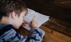 Distúrbios de aprendizagem são desafios para crianças e famílias