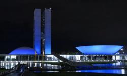 Câmara será iluminada de azul nesta terça por conscientização sobre a doença genética AACD