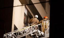 Peritos buscam foco de incêndio em hospital do Rio