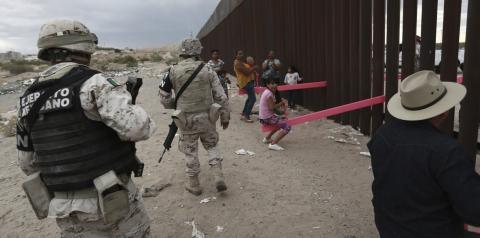 Muito comovente, diz arquiteto que montou gangorra na fronteira entre México e EUA