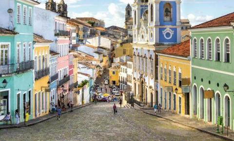 Clube lista 7 motivos para viajar a passeio para a Bahia