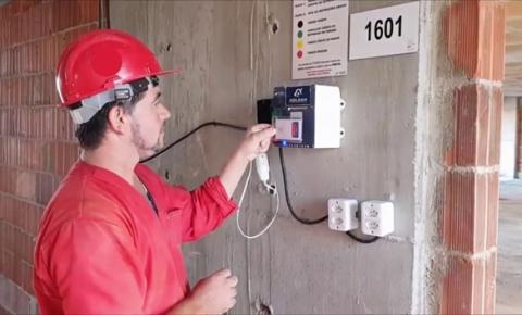 Aplicativo de gestão usa inteligência artificial para melhorar a produtividade de operários da construção civil em até 15%
