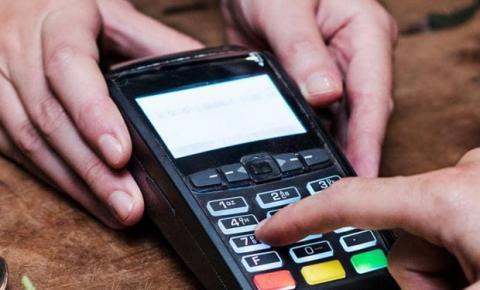 Acesso a crédito através do empréstimo pela máquina de cartão