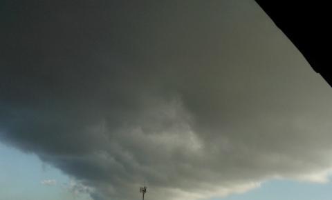 Semana começa com sol entre nuvens e chuva fraca na região Sul