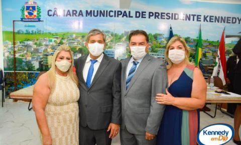 Confira as fotos da posse do prefeito Dorlei, seu vice Aluízio e vereadores