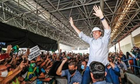 Ministros acompanham Bolsonaro em visita ao ES