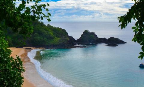 Ilhas brasileiras são opção de viagem para os turistas