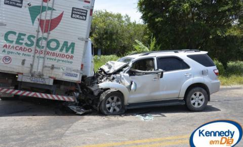 Acidente envolvendo dois veículos deixa três feridos em Boa Vista, Marataízes