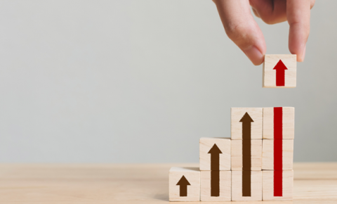 Como acelerar a carreira profissional: 4 competências para destacar no currículo