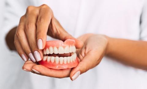 Prefeitura de Presidente Kennedy retorna com programa para fornecimento de próteses dentárias