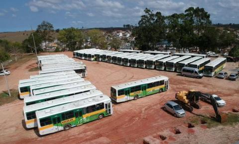 Prefeitura de Presidente Kennedy renova a frota de ônibus para atender universitários e alunos da rede municipal