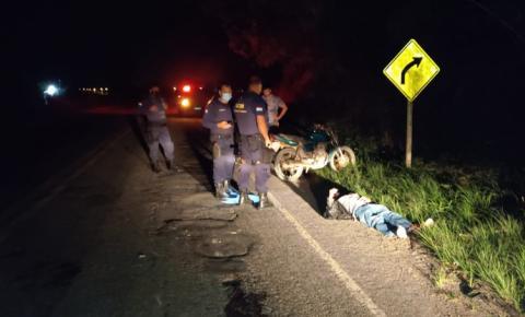 Motociclista colide com vaca e fica ferido na ES-060 em Campo Novo