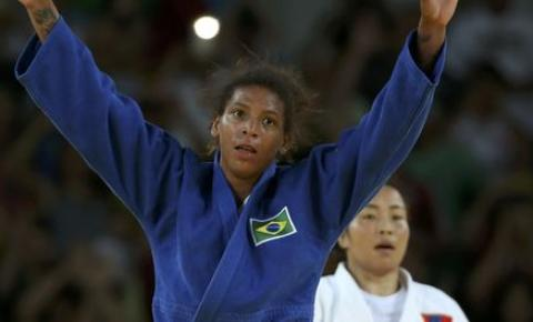 Judoca Rafaela Silva dá primeira medalha de ouro ao Brasil