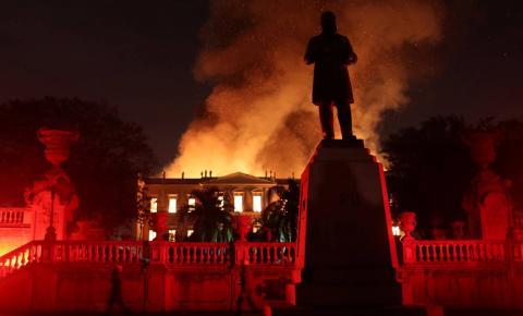 Reforma do Maracanã bancaria manutenção do Museu Nacional por 2,4 mil anos