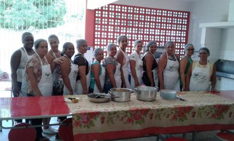 Secretaria de Educação promove treinamento para merendeiras da alimentação escolar
