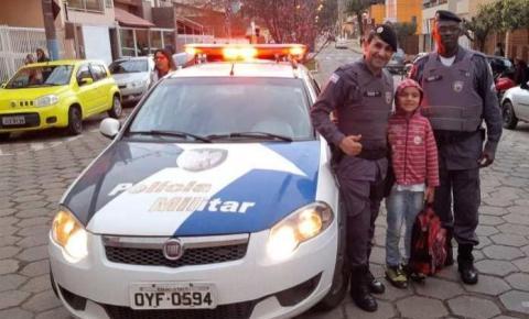 PM faz surpresa para menino durante dia do aniversário em Guaçuí