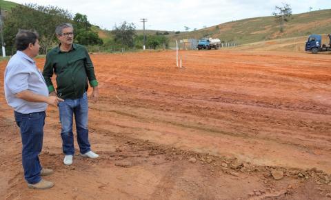 Prefeitura de Presidente Kennedy inicia obras de terraplanagem para construção do novo PAM