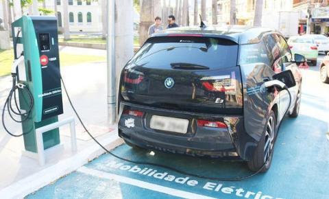 Posto de recarga para carro elétrico é inaugurado em Cachoeiro