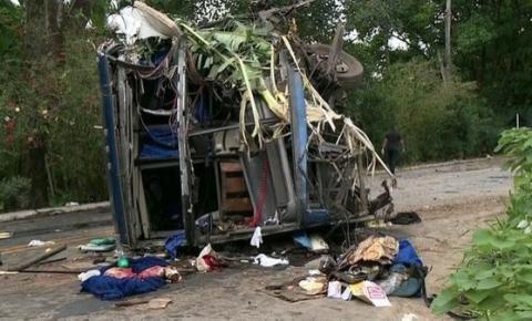 Vítimas de acidente com ônibus de turistas mineiros recebem alta em Cachoeiro