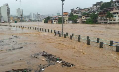 Chuva no ES: 22 cidades têm alto risco de ocorrências hidrológicas e deslizamentos; quase 9 mil pessoas estão fora de casa