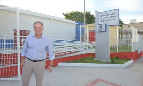 Governo do Estado entrega obra de reconstrução de escola em Guarapari