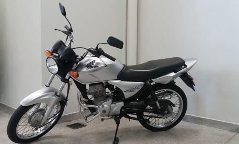 Assaltantes roubam motocicleta Titan prata na ES-060, em Praia da Neves
