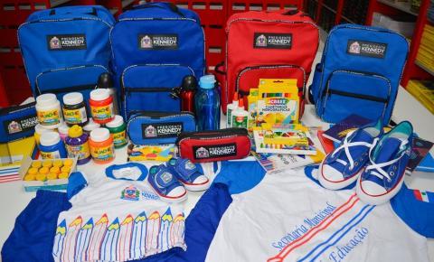 Presidente Kennedy entrega novos uniformes e kits de material escolar a partir desta quarta(15)