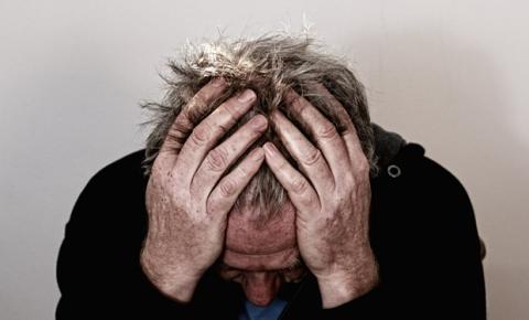 O que é polineuropatia de estágio 1 ou 2?