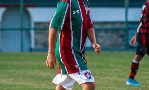 Prodígio kennedense, joia do Fluminense, Sonny Anderson treina com o pai em Jaqueira durante a quarentena
