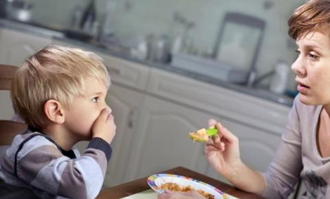 Seletividade e Neofobia alimentar em crianças: especialista esclarece sobre tratamentos