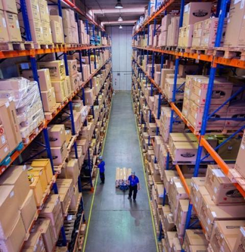 Empresa de logística lança canal no YouTube e funcionários explicam como funcionam operações