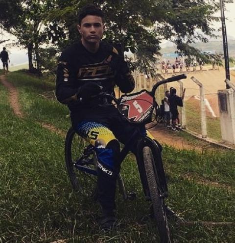 Rodrigo Porto conquista a segunda colocação no campeonato mineiro de BMX